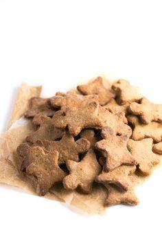 Estas galletas de jengibre veganas y sin gluten son un dulce navideño muy saludable y fácil de preparar. Es una versión mejorada y están aún más ricas.