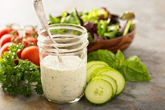 Want to make your own salad dressing? We've got you covered with these delicious salad dressing recipe ideas. Keto Salad Dressing, Ranch Dressing Recipe, Homemade Ranch Dip, Homemade Ranch Dressing, Molho Ranch, Sauces, Buttermilk Ranch Dressing, Vegetable Dips, Healthy Foods