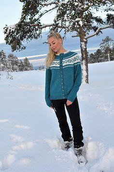 Ravelry: Huldra (kofte) pattern by Hilde Morseth Ravelry, Cardigans, Sweaters, Bomber Jacket, Graphic Sweatshirt, Knitting, Sweatshirts, Pattern, Jackets