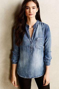 Modelo lindo de camisa jeans