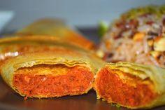 Samosas crujientes al horno con el contraste del dulzor de los vegetales empleados y el picante del curry