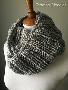 Today's pattern is a super easy pattern for a gorgeous knitted rib cowl which can be worn two ways. You will love how quickly this cowl works up, and … Easy Knitting, Knitting Patterns Free, Knitting Yarn, Knit Patterns, Free Pattern, Finger Knitting, Knitting Machine, Knitting Basics, Sweater Patterns