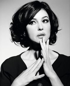 In Red would be wonderful (Monica bellucci)