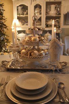 Beachy Christmas Table Setting