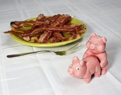 Naughty pigs salt and pepper shaker set gifts for foodie