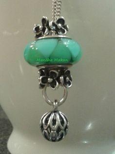 Pandora beautiful teal necklace. Featuring Teal Murano and pendant.