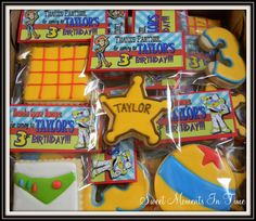 Toy Story Cookies By Sweet Moments In Time. Toy Story Theme, Toy Story Party, Toy Story Birthday, 2nd Birthday Parties, Birthday Ideas, Cookies For Kids, Cute Cookies, Toy Story Cookies, Thomas Birthday