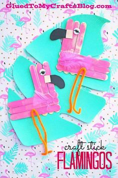 Stick Flamingo - Summer Themed Kid Craft Idea Find more crafty ideas on Glued To My Crafts!Craft Stick Flamingo - Summer Themed Kid Craft Idea Find more crafty ideas on Glued To My Crafts! Woodworking Projects For Kids, Craft Projects For Kids, Craft Activities For Kids, Preschool Crafts, Craft Ideas, Zoo Crafts, Camping Activities, Summer Activities, Family Activities