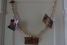 #diy #zelfmaken houten kralen slinger ketting voor het ophangen van mooie herinneringen, foto's of kaarten