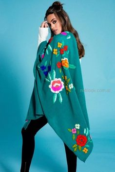 Doll Store – Looks Juveniles invierno 2018 - Notilook - Moda Argentina Mexican Embroidery, Hand Embroidery Art, Embroidery Designs, Boho Outfits, Casual Outfits, Fashion Outfits, Moda Boho, Embroidered Clothes, Diy Clothing