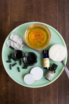 DIY: Activated Charcoal Black Salve Recipe | HelloNatural.co
