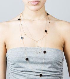Flower shine necklace