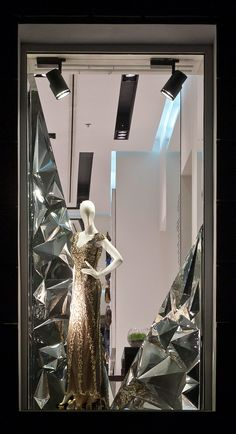 """SANAHUNT LUXURY CONCEPT STORE, Kiev, Ukraine, """"Dear You... Make peace with the mirror and watch your reflection change"""", pinned by Ton van der Veer"""