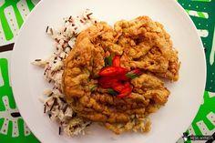 Tajski omlet z mieloną wieprzowiną ไข่เจียวหมูสับ Kai Jeow Moo Sab. Idealny na śniadanie po ciężkiej nocy #gryz