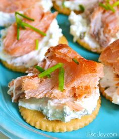 Smoked salmon canapes with whipped chive cream cheese for Simple canape appetizer