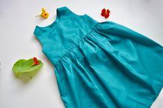 free girl dress pattern to sew Little Girl Dress Patterns, Toddler Dress Patterns, Simple Dress Pattern, Cute Little Girl Dresses, Vintage Girls Dresses, Toddler Fashion, Toddler Outfits, Girl Outfits, Kids Summer Dresses