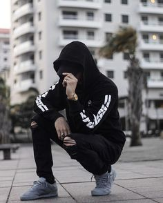 Streetwear Outfit by / / / / / Portrait Photography Poses, Photography Poses For Men, Portrait Poses, Urban Photography, Photo Poses For Boy, Boy Poses, Stylish Boys, Cute Girl Face, Pacsun