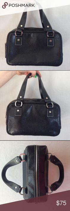 ▫️Adorable Kate Spade Handbag▫️ Kate Spade purse! This bag is truly ADORABLE and in wonderful condition. A great gift for any fashionista! 💕 feel free to MAKE AN OFFER! kate spade Bags