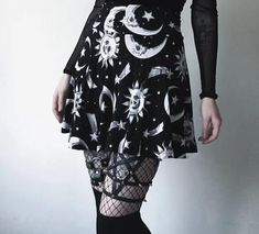 Sun Moon And Stars Pleated Miniskirt ☠.Sun Moon And Stars Pleated Miniskirt ☠ Goth Shop, Galaxy Skirt, Goth Skirt, Kawaii Goth, Alternative Fashion, Alternative Style, Skater Style, Mini Skirts, Pleated Skirts