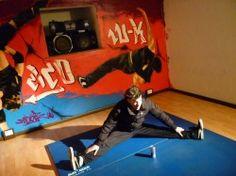 Jengafilm riprende in esclusiva il quarto record di b-boy Cico!  LEGGI L'ARTICOLO: http://www.jengafilm.it/blog/breakdance/jengafilm-riprende-in-esclusiva-il-quarto-record-di-b-boy-cico/#