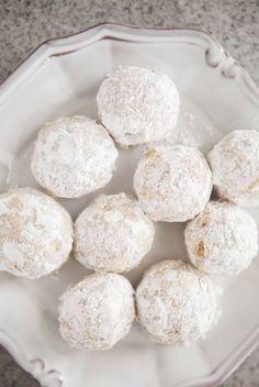 Walnut Snowball Cookies Recipe SimplyRecipes Com. Walnut Snowball Cookies Recipe SimplyRecipes Com. Walnut Snowball Cookies Recipe In 2019 Snowball . Köstliche Desserts, Delicious Desserts, Dessert Recipes, Dishes Recipes, Snowball Cookies, Holiday Cookies, Holiday Baking, Christmas Baking, Dessert Thermomix