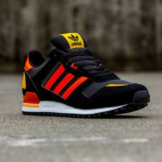 Adidas Zx 700, Adidas Shoes Women, Adidas Men, Adidas Sneakers, Addidas Shoes Mens, Best Sneakers, Sneakers Fashion, Fashion Shoes, Sneakers Style