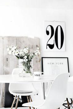 Alles in het wit. Rustiek, simplistisch en clean. De Eames.