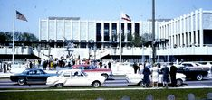 Automobile traffic and people waiting to cross Wilshire Boulevard in front of the Los Angeles County Museum of Art, 1965. (Courtesy George Garrigues / Wikimedia Images)