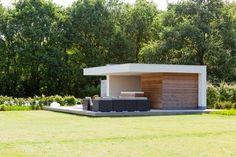 #tuinhuizen #poolhouse #overkappingen #bijgebouwen #terras #gardens #tuinen #zwembaden #pools #bogarden http://leemconcepts.blogspot.nl/2014/04/vakantie-in-eigen-tuin.html