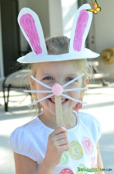 Paper Plate Easter Bunny Ears Easy, last-minute Easter craft, Paper Plate Easter Bunny Ears and bunny nose! Plus TruMoo chocolate strawberry ice pops, a healthier treat for a hot day.<br> Easy Arts And Crafts, Crafts For Kids To Make, Easter Crafts For Kids, Arts And Crafts Projects, Toddler Crafts, Preschool Crafts, Classroom Crafts, Creative Kids, Creative Crafts