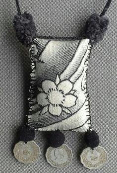 Collier/Pendentif textile.  Esprit bohème par VeronikB sur Etsy