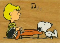 Schroeder and Snoopy. I've decided that I'm a big fan of Schroeder Charlie Brown Cafe, Charlie Brown And Snoopy, Peanuts Cartoon, Peanuts Snoopy, Schroeder Peanuts, Peanuts Images, Snoopy Comics, Snoopy Christmas, Tips