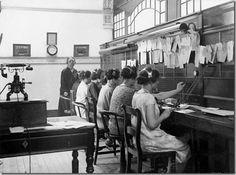 Loja e Cabines Públicas da APT no Rossio e inauguradas em 1931, Lisboa.