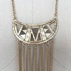 Collar Howlita Azteca ecléctico tribal media luna por LUSCONE