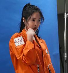Apink Naeun, Son Na Eun, Kpop, Sexy Asian Girls, Asian Beauty, Fashion Models, Sons, Rain Jacket, Windbreaker