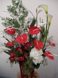 Christmas arrangement flower arrangement red and white tropical