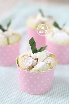 Nasi Lemak Lover: Pandan Hokkaido chiffon cupcakes 班兰北海道戚风小蛋糕