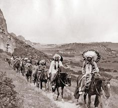Comanche Indians in Palo Duro Canyon photograph taken on JA ranch Buffalo hunt with Teddy Roosevelt, Charles Goodnight, Chief Quannah Parker, and Big Tree Lone Wolf Sr. Hunt was staged for Edison film crew. Native American Pictures, Native American Tribes, Native American History, American Indians, Comanche Indians, Pierre Brice, Geronimo, Native Indian, First Nations