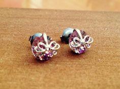 チタンポストのピアス石の色は、薄い紫のアメジストカラー。|ハンドメイド、手作り、手仕事品の通販・販売・購入ならCreema。