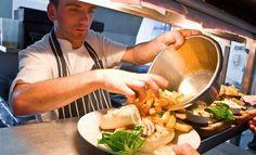 Při vaření se používá hodně postupů, které v anglické terminologii u nás nejsou... Commercial Kitchen, French Fries, Dishes, Ethnic Recipes, Food, French Fries Crisps, Chips, Commercial Cooking, Tablewares