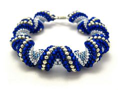 Zig-Zag Cellini Bracelet  from My Amari.  Full tutorial with links to other directions.  Very good pictures. #seed #bead #tutorial