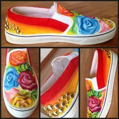 """Roses"" - técnica: pintura textil y acrílico"