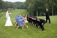 Wedding Poses Unique group poses for wedding party photos « Weddingbee Boards Cute Wedding Ideas, Wedding Pictures, Perfect Wedding, Dream Wedding, Trendy Wedding, Funny Couple Poses, Football Poses, Football Fans, Football Wedding