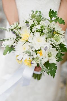 #Summer #Bouquet | Photo: Lara Kimmerer Photography  | On #SMP: www.stylemepretty...