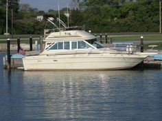 1981 Sea Ray 310 Vanguard Fly Bridge Power Boat For Sale -