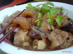 No-Frills Recipes ... cooking, baking & excerpts on travel: Braised Pork knuckles with Sea Cucumber - CNY
