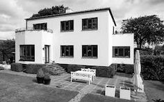funkishus - Google Search Bauhaus, Modern Architecture, Sweet Home, Exterior, Mansions, The Originals, House Styles, Building, Functionalism