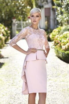 Peplum Pink 2019 Mother Of The Bride Dresses Lace Appliqued Long Sleeve Wedding Guest Dresses Jewel Neck Cheap Evening Gowns Mother Of Bride Outfits, Mothers Dresses, Mother Of The Bride, Trendy Dresses, Elegant Dresses, Nice Dresses, Cheap Evening Gowns, Evening Dresses, Debutante Dresses