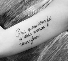 frases bonitas tattoos – Tattoo Tips Back Tattoo Women, Back Tattoos, Life Tattoos, Tatoos, Frases Para Tattoo, Tattoo Project, Samoan Tattoo, Tattoo Studio, Tattoo Quotes