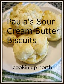 My daughter made these when we went to visit a few weeks ago. She likes to make a batch ahead of time and then warm them in the micro . Sour Cream Biscuits, Drop Biscuits, Buttermilk Biscuits, Homemade Biscuits Recipe, Biscuit Recipe, Breakfast Items, Breakfast Dishes, Biscuit Bread, Cream Butter